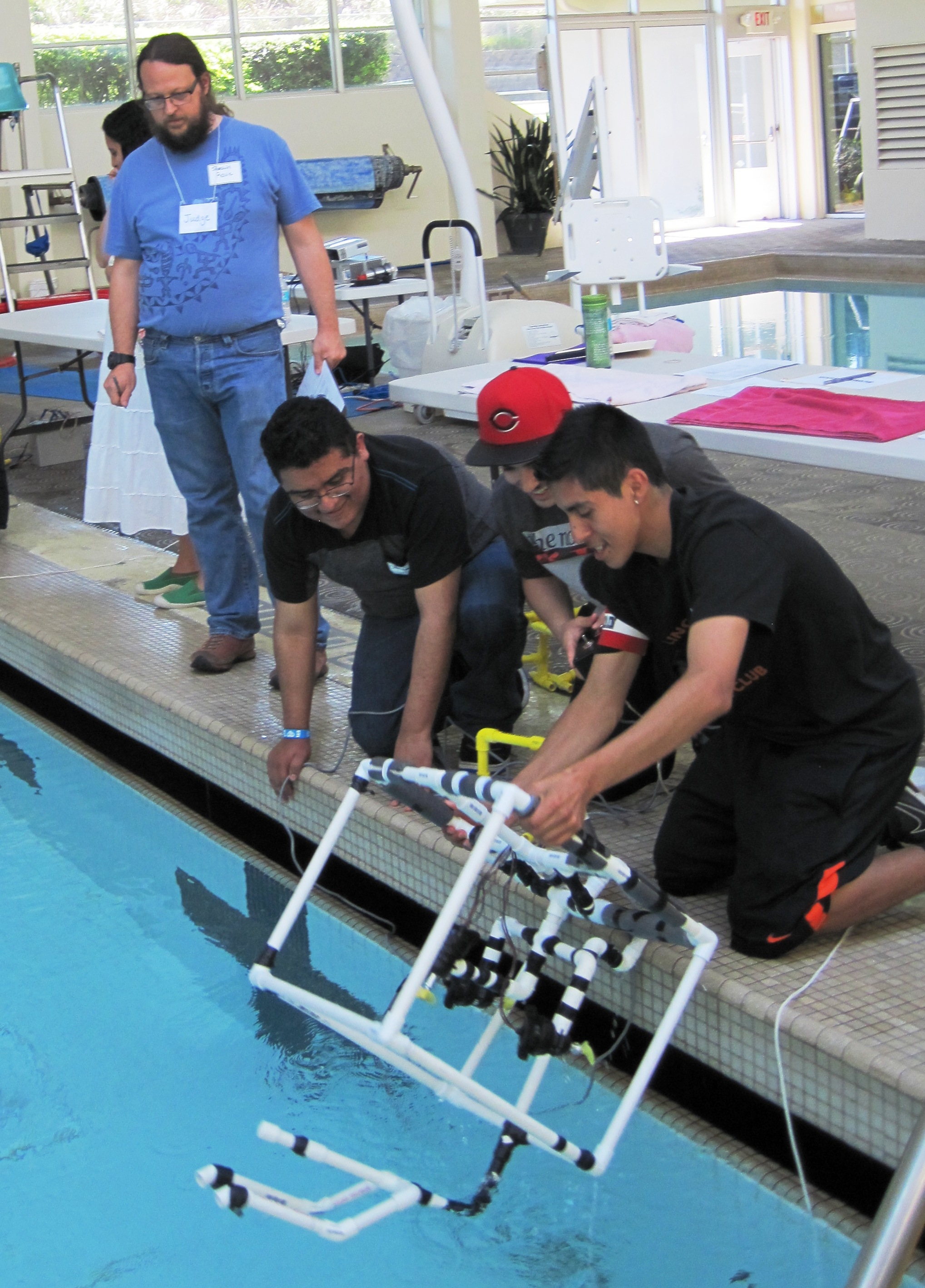 Taft HS Ocean's Hope launching ROV